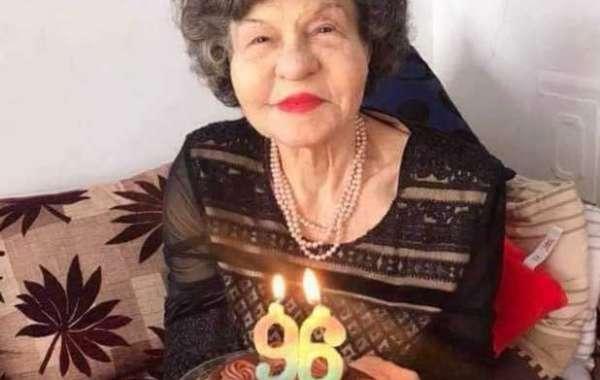 Любимката на няколко поколения Стоянка Мутафова навърши 96